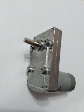 Motor cu reductor 12 volti 400 RPM
