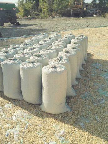 Кукуруза росыпь и в мешках 110тг