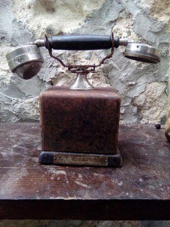 Старинен телефон без манивела
