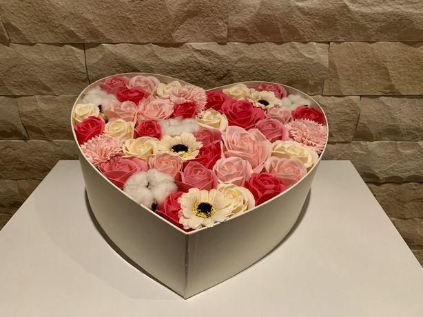 Aranjamente deosebite din flori de sapun