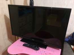 Большой телевизор 102 диагональ
