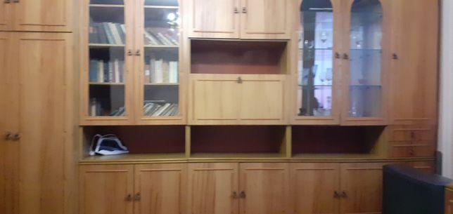 Продам мебель для зала. Стенка из 5 секций + тумбапод телевизор.