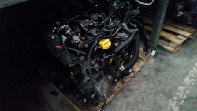 Dezmembrez Trafic , Vivaro Motor Trafic 2.0 euro4