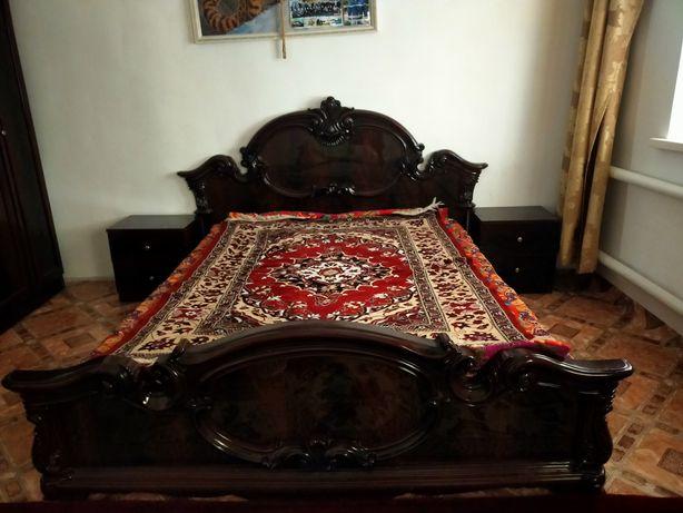 Кровать спальная