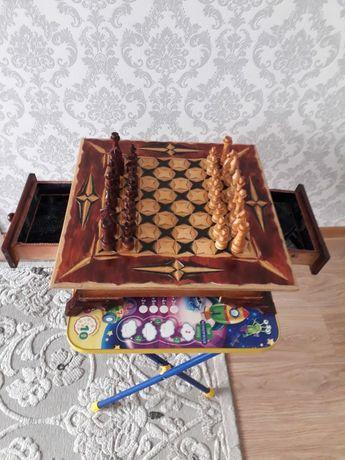 Продам резные шахматы