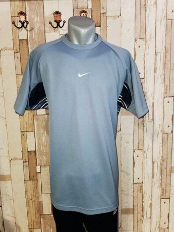Tricou Nike model diferit