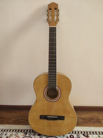 Продаю классическую гитару Adagio KN39BR