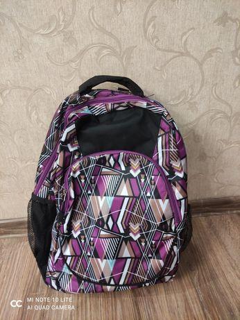 Рюкзаки 1000 и 3000 тенге