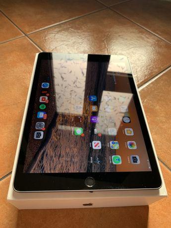 iPad Generatia 7 32 GB
