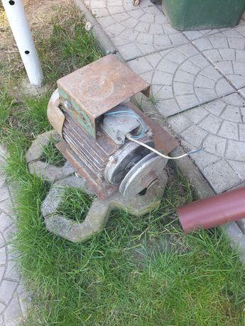 Motor moara trifazic, adaptat la monofazic