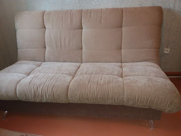 Срочно продам диван, кресло, пуфик.