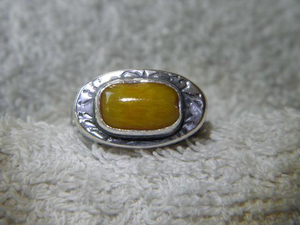 Уникален сребърен пръстен с кралски кехлибар
