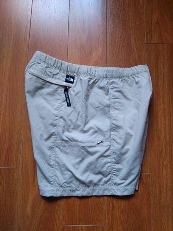 Pantaloni scurți de damă The North Face  mărimea S