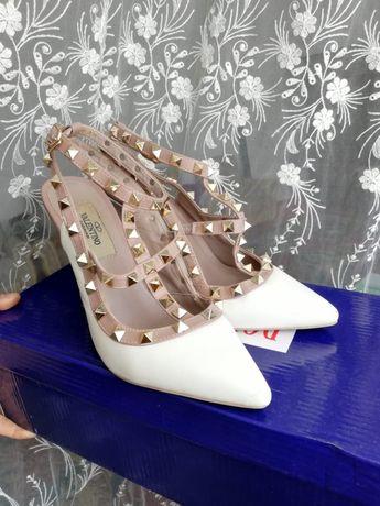 Красивая туфли Валентино за 5000 тг
