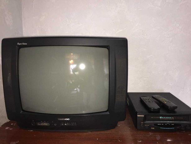 Продаю 2 телевизора и видик.  Отдам все за 6000