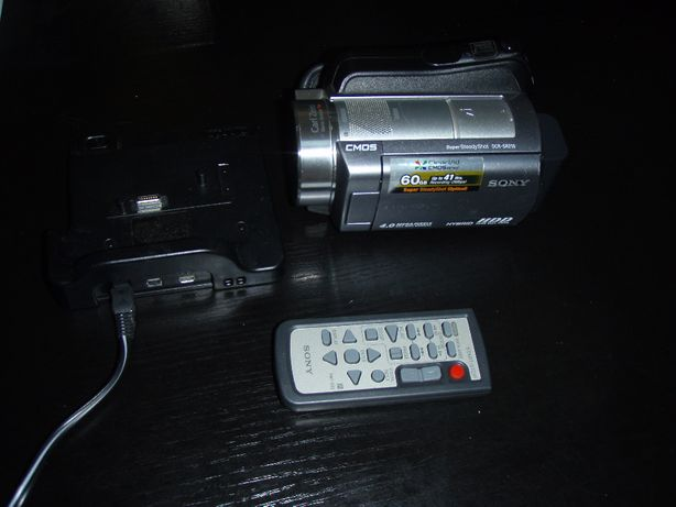 Camera video Sony DCR-SR210 cu HDD 60Gb, dock, incarcator, telecomanda