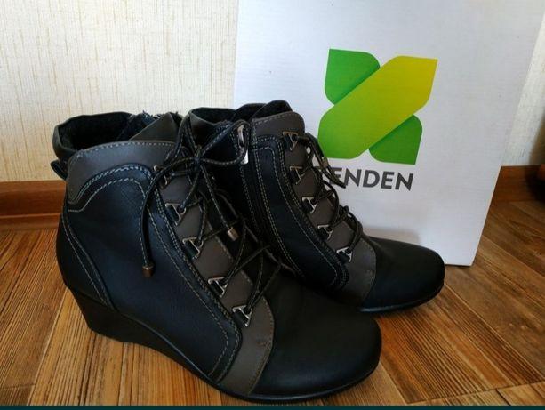 Продам демисезонные ботинки женские весна- осень