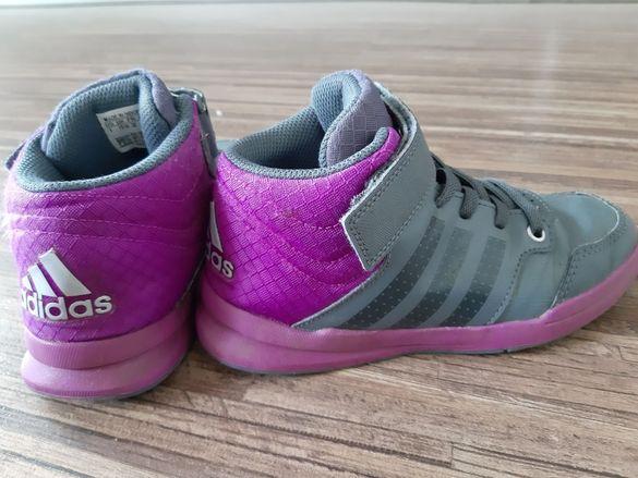 Детски кецове за момиче Adidas в сиво и лилаво