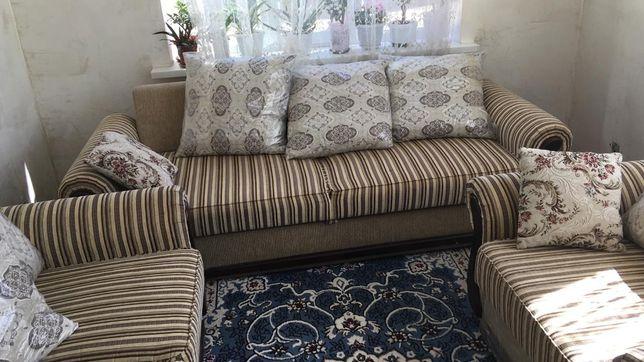 Мягкий мебель тройка