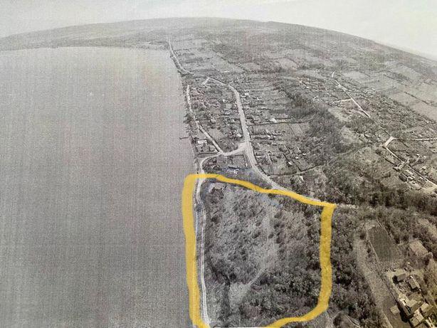 Teren intravilan pe malul Dunarii -Batoti-