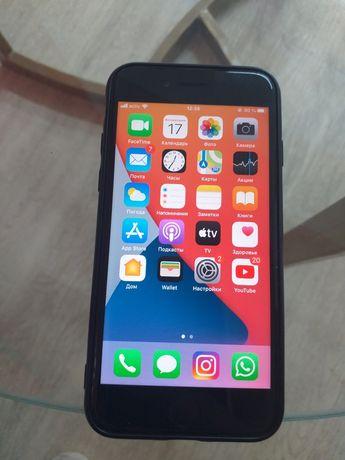 Айфон SE2020 очень в хорошем состояние