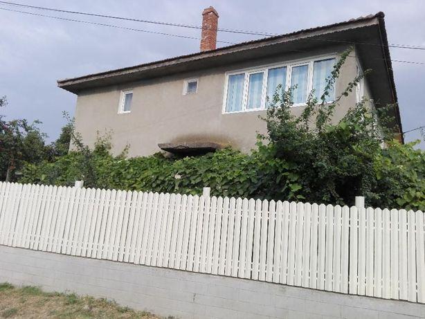 Vila cu teren de vanzare PARTER+Etaj
