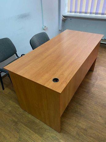 Продается офисный стол и стулья