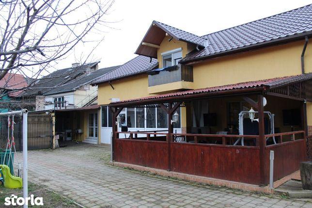 Vând casă, centrul Hunedoarei, loc drept, suprafață totală teren 680mp