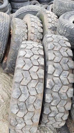 Гуми за камион
