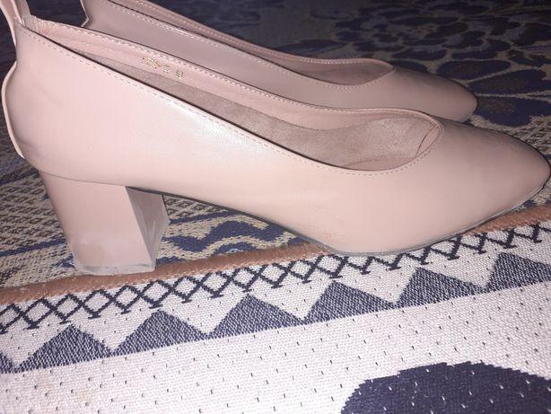 Женский туфли сатылады