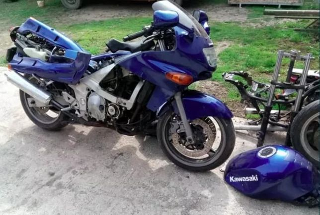 Piese dezmembrez Kawasaki ZZR 600 E si D ambele generatii