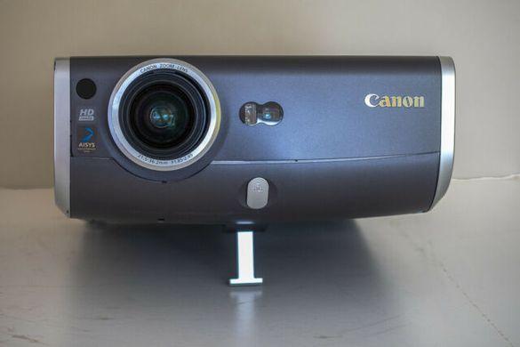 проектор CANON REALIS SX60 домашно кино-2,500 ANSI Lumen