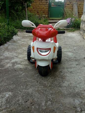 Детско моторче с акумулатор