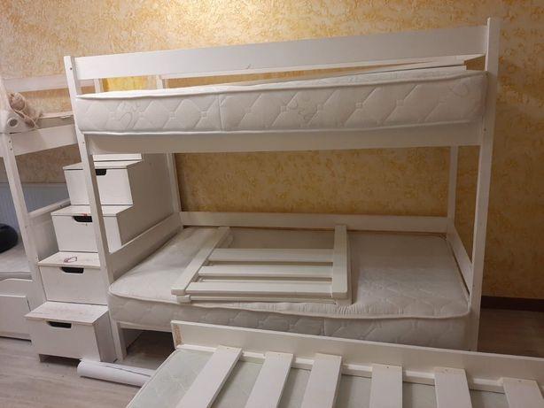 Продам даухяростную кровать на двоих