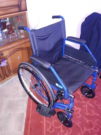 Scaun cu rotile aproape nou