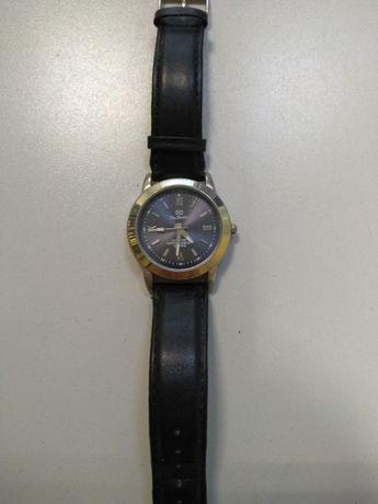продавам часовник