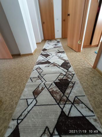 Продаётся ковёр (новый)