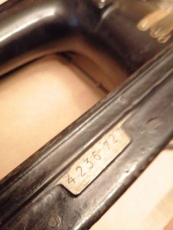 Mașina de cusut cu motor