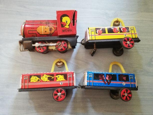 Jucarie veche comunista Trenulet/Tren cu vagoane din tabla chinezesc