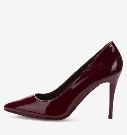 Продам новые туфли р.38 цвет бордо