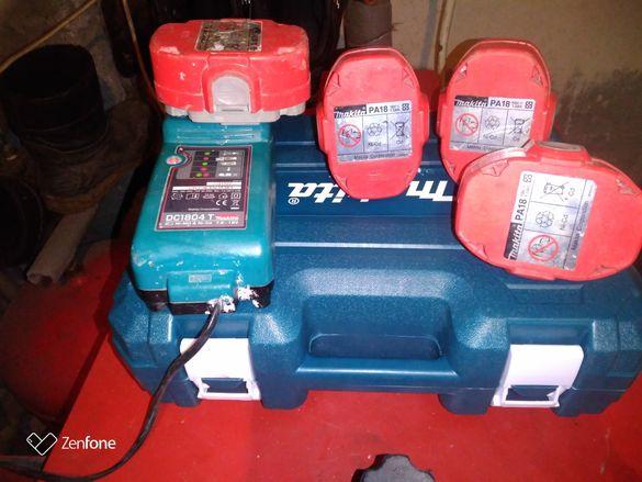 Макита куфар със зарядно и 4 батерий