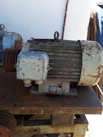 Motor 380V 15Kw 1400 rot/min