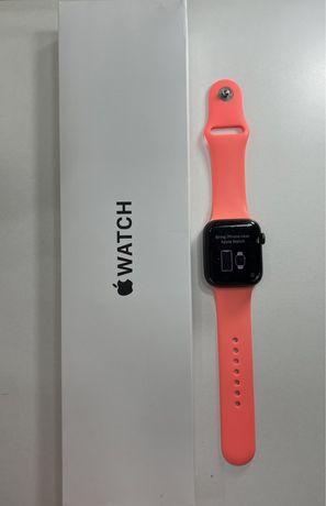 Продам Apple watch SE
