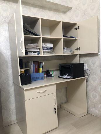 Компьютерный стол (офисный стол)