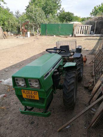 Vând tractor pasquali