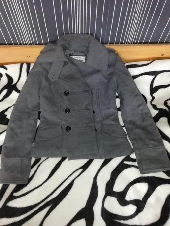 Вталено късо палто