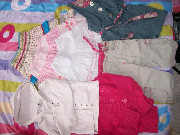 Три поли, панталони, гащеризон, жилетка и суитчер за момиче