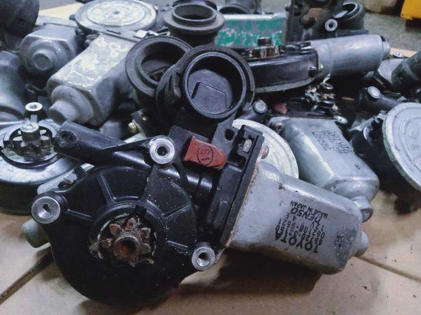 Продам оригинальный моторчик стеклоподъемника на Toyota Highlander
