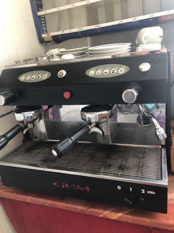 Aparat profesional de cafea pt bar+ rasnita de cafea