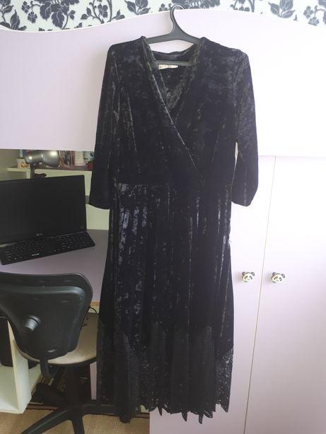 Продам шикарное платье 52 размера. Покупала за 27000.Продам за 10000